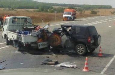 Машины получили катастрофические повреждения в ДТП в Приморье