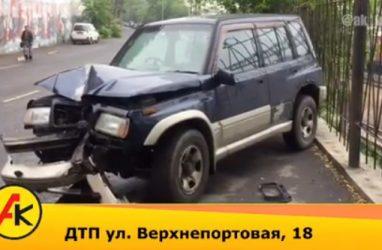 Девушку госпитализировали после жёсткого ДТП во Владивостоке