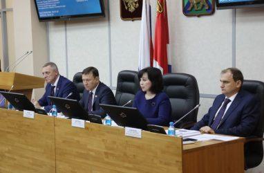 Приморские депутаты одобрили закон о преобразовании краевой администрации в правительство