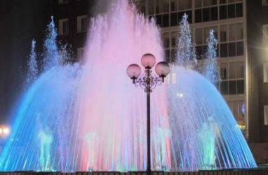 Светодиодные фонтаны пустили в Якутске