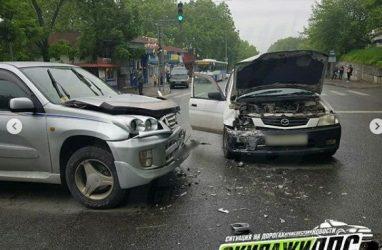 Жёсткое лобовое ДТП произошло во Владивостоке
