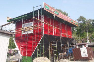 Дом-перевёртыш построили в самом центре Владивостока