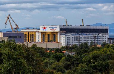 Дальневосточный завод «Звезда» получил заказы на ремонт двух атомных подводных лодок