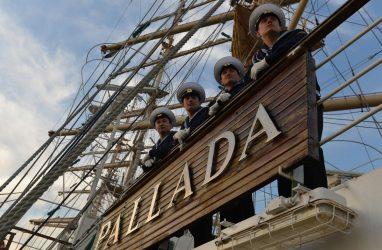 За 30 лет практику на учебном парусном судне «Паллада» прошли более 15 тысяч человек