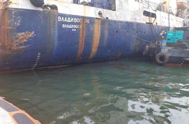 В порту Владивосток ликвидировали разлив нефтепродуктов
