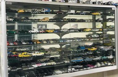 Во Владивостоке выставили на продажу уникальную коллекцию из 1500 моделей автомашин