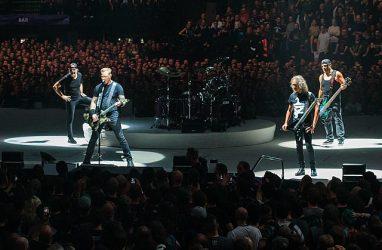 Группа Metallica сыграла в Москве песню «Группа крови»