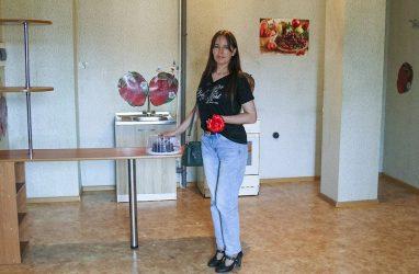 В Приморье выпускнице детдома дали квартиру спустя 18 лет ожидания