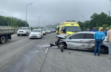 Смертельное ДТП во Владивостоке: водитель вылетел из машины