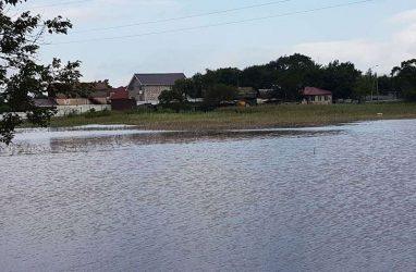 Уровень одной из рек Приморья превысил отметку в восемь метров