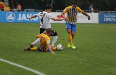 Футболисты «Луча» не смогли удержать победу над «Чайкой»