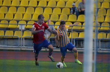 Футболисты «Луча» проиграли хабаровчанам со счётом 0:2