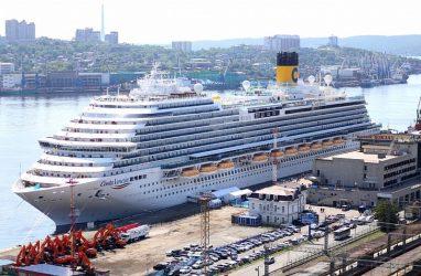 Во Владивосток зашло судно, стоимость проживания на котором превышает 60 тысяч рублей в сутки