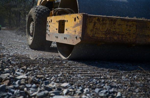 Дорожная техника, ремонт дороги