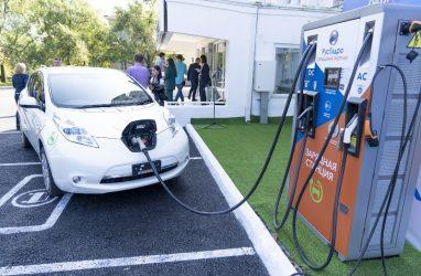 В Приморье открыли десять зарядных станций для электромобилей