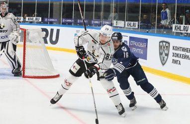 Хоккеисты «Адмирала» проиграли «Трактору» в повторном матче