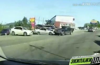 Момент лобового ДТП во Владивостоке попал на видео