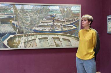 «Молодые и талантливые»: во Владивостоке открылась художественная выставка Светланы Фирюлиной