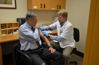 В Приморье от гриппа привили более 300 тысяч человек