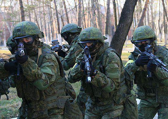 Солдаты, оружие
