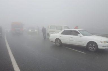 Из-за трёх ДТП во Владивостоке ограничили движение