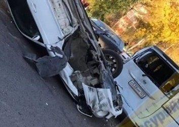 Шокирующее ДТП в Приморье: у перевернувшейся иномарки вырвало колесо