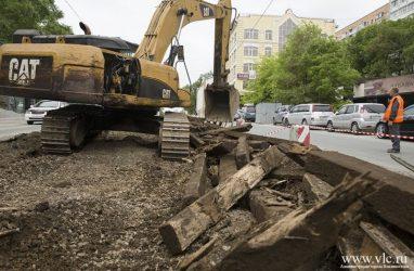 Во Владивостоке с аукциона продали демонтированные трамвайные рельсы