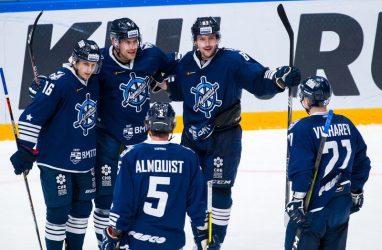 Хоккеисты «Адмирала» победили в Риге