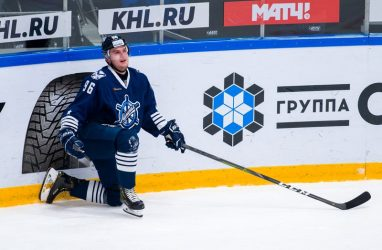 Хоккеисты «Адмирала» проиграли в Пекине
