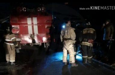 Во Владивостоке припаркованный автомобиль вновь стал помехой для пожарных