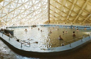 Ностальгическую фотовыставку о советском санаторном наследии представили во Владивостоке