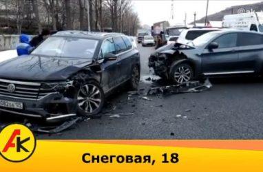 Lexus, BMW и Volkswagen попали в жёсткое ДТП во Владивостоке