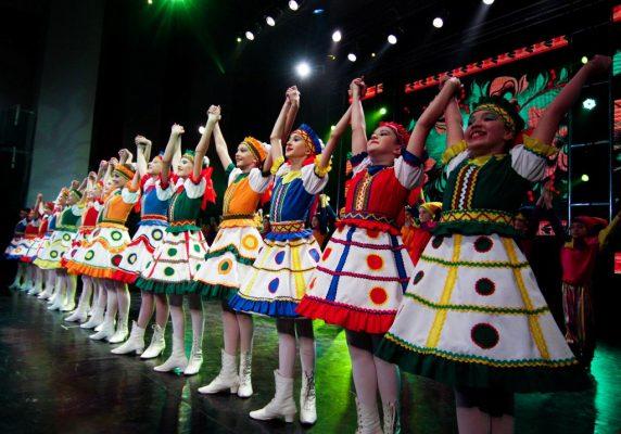 Танец, танцоры