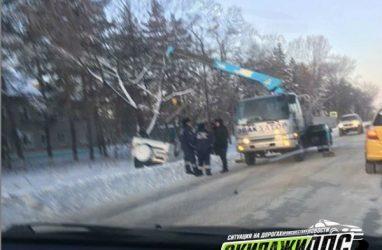 «Улетел» в кювет и перевернулся: внедорожник попал в ДТП в Приморье