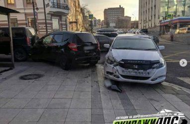 Массовое ДТП с участием резвого «Марка» произошло в центре Владивостока