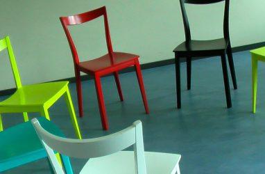 На что обратить внимание при выборе обеденных стульев?