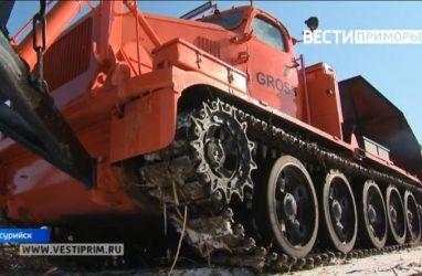 К масштабной чистке в Приморье привлекли армейскую технику