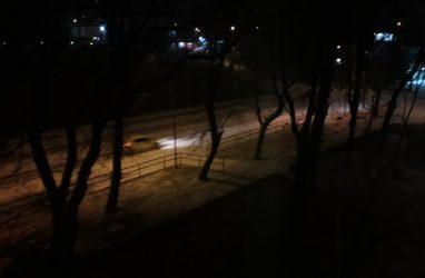 Снегопад обрушился на Владивосток