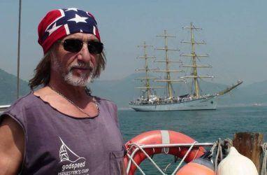 Капитану Джеку — 70: в Приморье поздравили с юбилеем известного яхтсмена