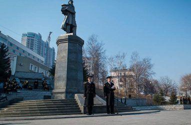 Во Владивостоке почтили память знаменитого флотоводца Степана Макарова
