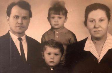Губернатор Приморья поделился редкой фотографией