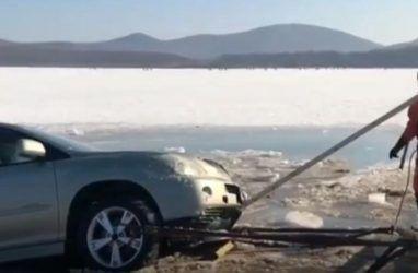 Появились объявления о восстановлении утопленных авто после инцидента на острове Русский