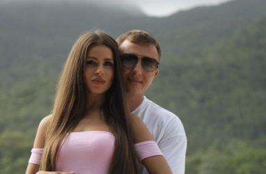 Яббаров устроил погром на «Доме-2» и напал на свою девушку