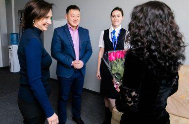 Во Владивостоке выписали гражданку Китая из карантинного корпуса ДВФУ
