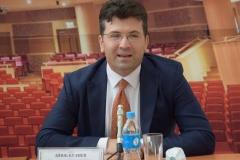 <strong>Эйюб Кулиев, заслуженный артист Республики Азербайджан, главный дирижёр и музыкальный руководитель Азербайджанского Государственного академического театра оперы и балета</strong>