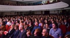 Услышать известную американскую певицу Дениз Перье пришел полный зал