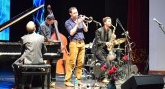 Французские музыканты приятно удивили зрителей необычным исполнением