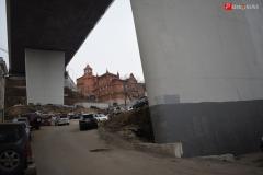 <strong>Сегодня на месте когда-то очень красивого зеленого уголка в центре Владивостока - парковка автомобилей и пыльный подъем на улицу Пушкинскую</strong>