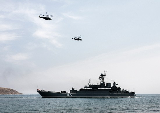 Российские и китайские морпехи вместе высадились на побережье