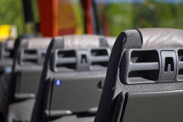 Автобус, сиденья. Фото - pixabay